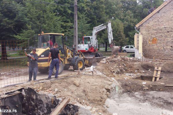 kopanje-bunara-temeljaDE584ABC-3B5E-B2BE-5977-73AEA9126948.jpg
