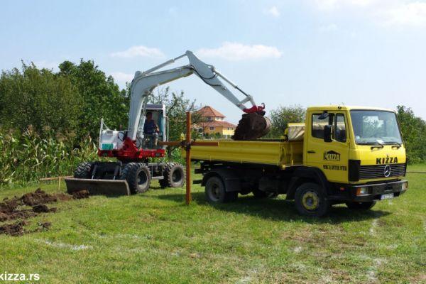 kopanje-rovova72B70812-00FA-5DB8-A398-AAB6C49FB889.jpg
