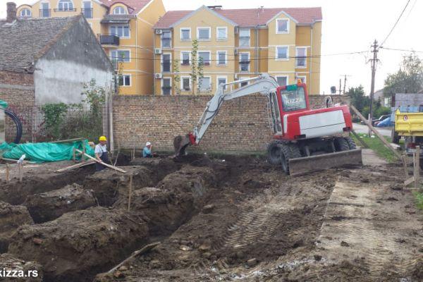 kopanje-temelja-bager-beogradF43F0FDD-43C8-8B0F-E264-6844240CEB30.jpg