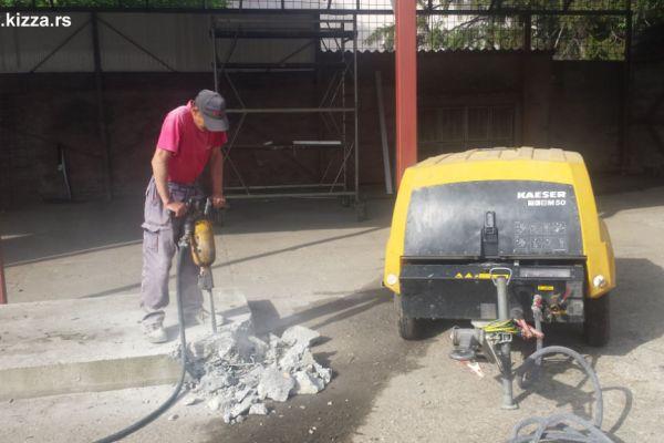 razbijanje-betona8AE105B7-B403-2B0B-A27C-D49974ECFA9B.jpg
