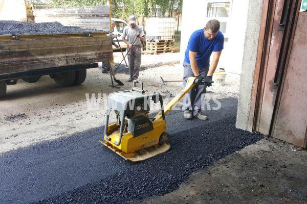 peglanje_asfalta_4D78449A5-4323-7811-254D-AF206CA3F9CB.jpg